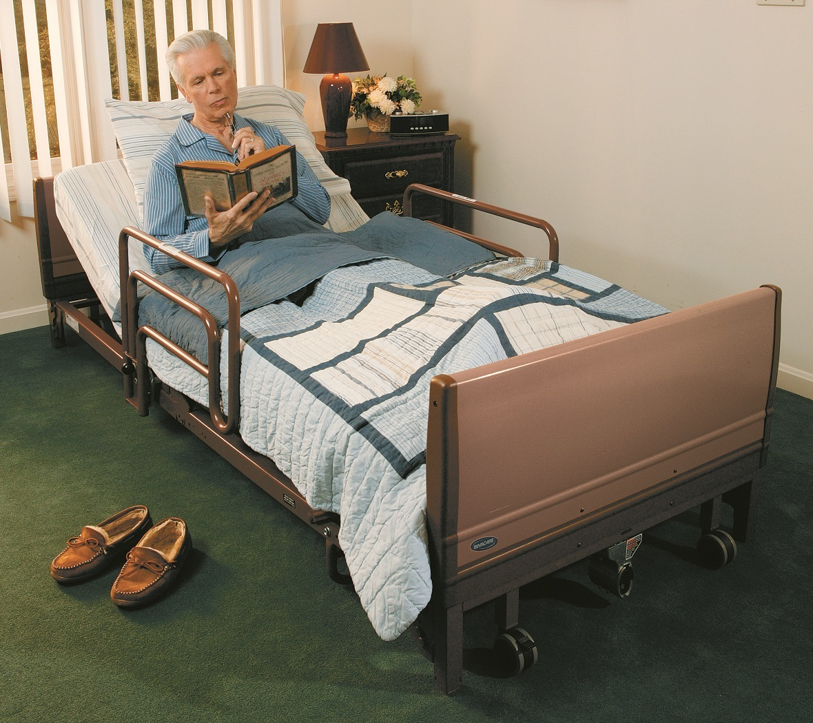 Hospital Bed Full Electric Invacare 5410low Local